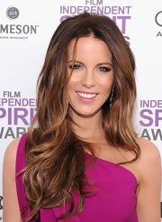 Kate Beckinsale attended the 2012 Independent Spirit Awards wearing a pearly pink lipgloss.
