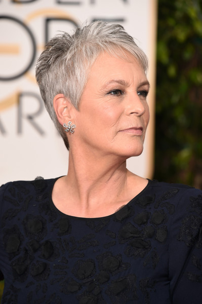 Jamie Lee Curtis Pixie [hair,face,hairstyle,blond,eyebrow,chin,beauty,lip,forehead,pixie cut,arrivals,jamie lee curtis,beverly hills,california,beverly hilton hotel,golden globe awards,annual golden globe awards]