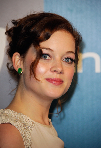 Jane Levy Gemstone Studs [hair,face,hairstyle,eyebrow,chin,beauty,lady,lip,forehead,skin,jane levy,instyle golden globe awards,hotel,beverly hills,california,the beverly hilton,warner bros,arrivals,party]