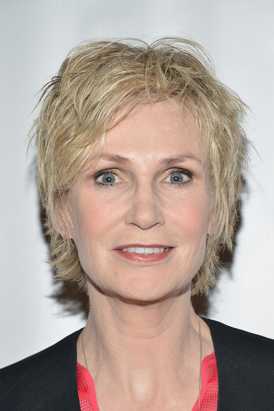 Jane Lynch Messy Cut [hair,face,hairstyle,blond,eyebrow,chin,head,lip,beauty,forehead,marianne williamson founding team,jane lynch,angel awards,taglyan cultural complex,california,hollywood,project angel food,entertainment industry foundation]