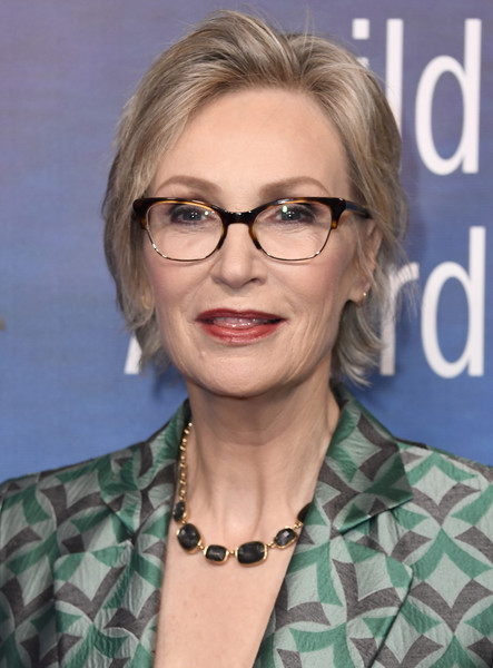 Jane Lynch Short Side Part [eyewear,hair,face,glasses,hairstyle,chin,blond,vision care,official,layered hair,arrivals,jane lynch,beverly hills,california,the beverly hilton hotel,writers guild awards l.a. ceremony]