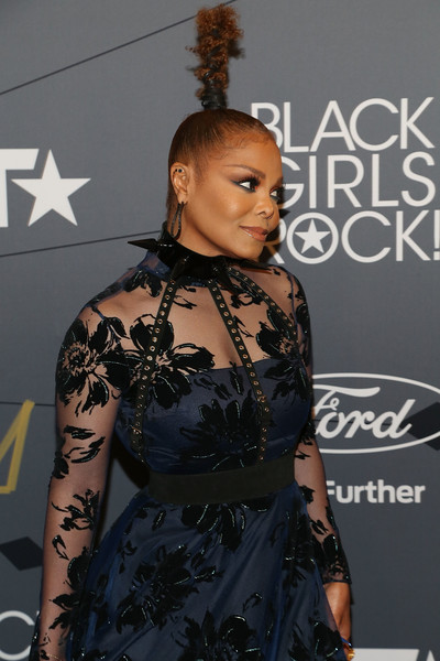 Janet Jackson Studded Belt [2018 black girls rock,hair,clothing,hairstyle,shoulder,fashion,beauty,dress,carpet,joint,premiere,arrivals,red carpet,janet jackson,new jersey performing arts center,newark,black girls rock]