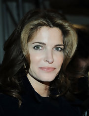Stephanie Seymour's face-framing wavy 'do at the Jason Wu fashion show had an elegant Old Hollywood feel.
