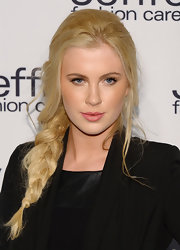Ireland Baldwin's soft pink lip brightened her fair skin and brought out the rose color in her cheeks.