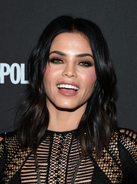 Jenna Dewan-Tatum Medium Wavy Cut