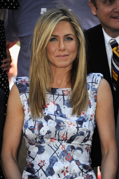 More Pics of Jennifer Aniston Long Straight Cut (1 of 51) - Jennifer Aniston Lookbook - StyleBistro