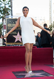 Jennifer Hudson completed her all-white look with a pair of Gianvito Rossi cap-toe pumps.