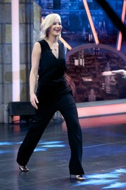 Jennifer Lawrence appeared on 'El Hormiguero' looking relaxed yet sophisticated in a sleeveless black jumpsuit.