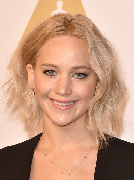 Jennifer Lawrence Messy Cut