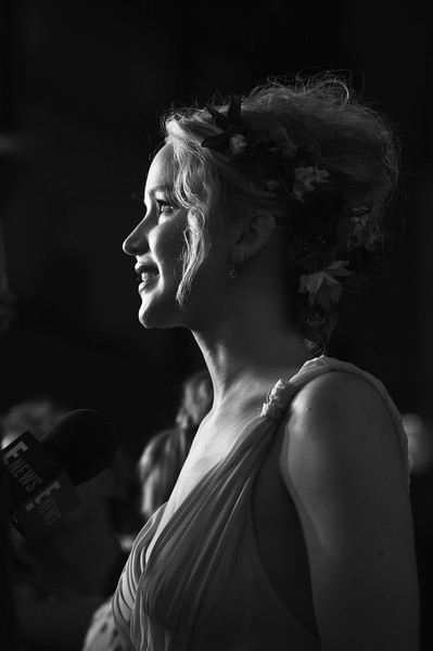 Jennifer Lawrence Beehive [image,black,photograph,black and white,monochrome photography,beauty,darkness,lady,photography,monochrome,girl,mother,jennifer lawrence,new york,radio city music hall,nyc premiere,premiere]