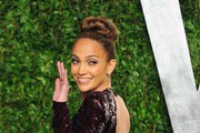 Jennifer Lopez in a Plunging Gown at 2012 Oscars Party