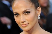 Jennifer Lopez's Chic Updo at the 2012 Oscars