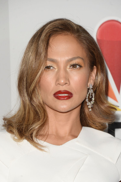 Jennifer Lopez Diamond Chandelier Earrings [hair,face,lip,hairstyle,eyebrow,blond,beauty,chin,skin,shoulder,jennifer lopez,golden globes,beverly hills,california,the beverly hilton hotel,nbcuniversal,party,arrivals]