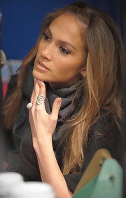 The 'American Idol' judge wore a Celtic Dunes ring in 18-karat noble gold with diamonds on a visit to SiriusXM studios.