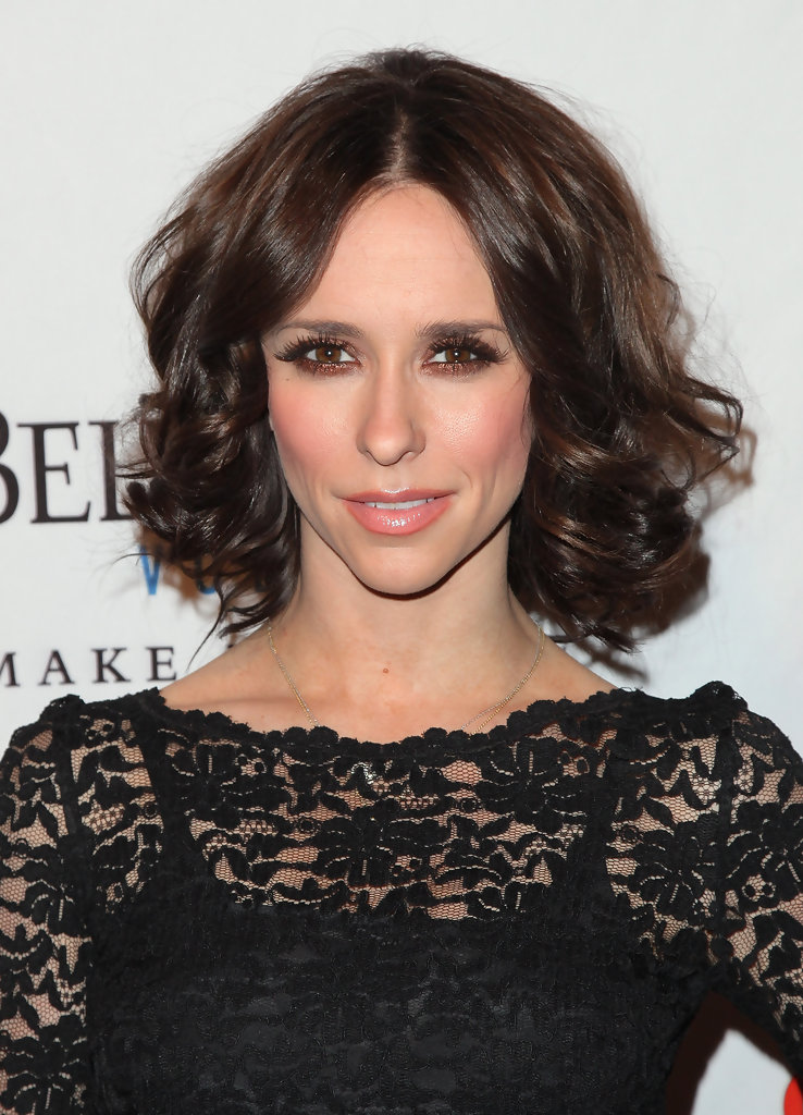 Jennifer Love Hewitt Medium Curls Jennifer Love Hewitt