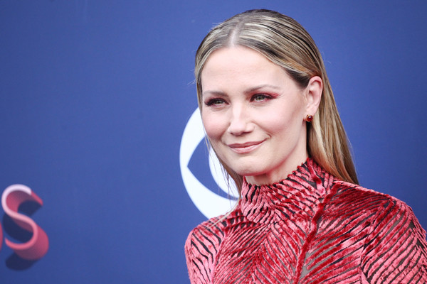 Jennifer Nettles Long Straight Cut