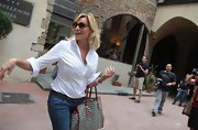 Simona Ventura kept it casual but classic with a crisp white shirt and jeans.