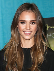 Jessica Alba opted for a more simple look with natural waves.