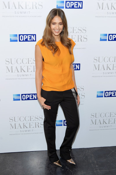 Jessica Alba Loose Top [clothing,shoulder,yellow,electric blue,cobalt blue,fashion,footwear,joint,neck,waist,spring place,new york city,success makers summit,jessica alba]