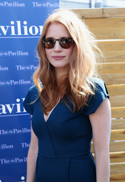 Jessica Chastain went for classic styling with a pair of tortoiseshell wayfarers during a Cannes event.