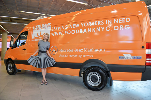 """Mercedes-Benz Of Manhattan Shows Its Love For """"Food Bank For New York City"""" This Valentine's Day"""