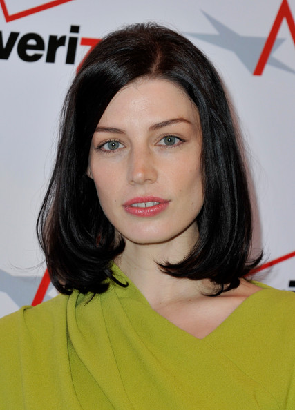 Jessica Pare Medium Straight Cut