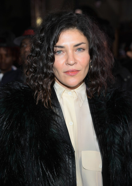 Jessica Szohr Medium Curls [xxx: return of xander cage,hair,hairstyle,black hair,eyebrow,long hair,chin,lip,layered hair,fur,brown hair,jessica szohr,title,california,hollywood,la premiere,paramount pictures,tcl chinese theatre imax]