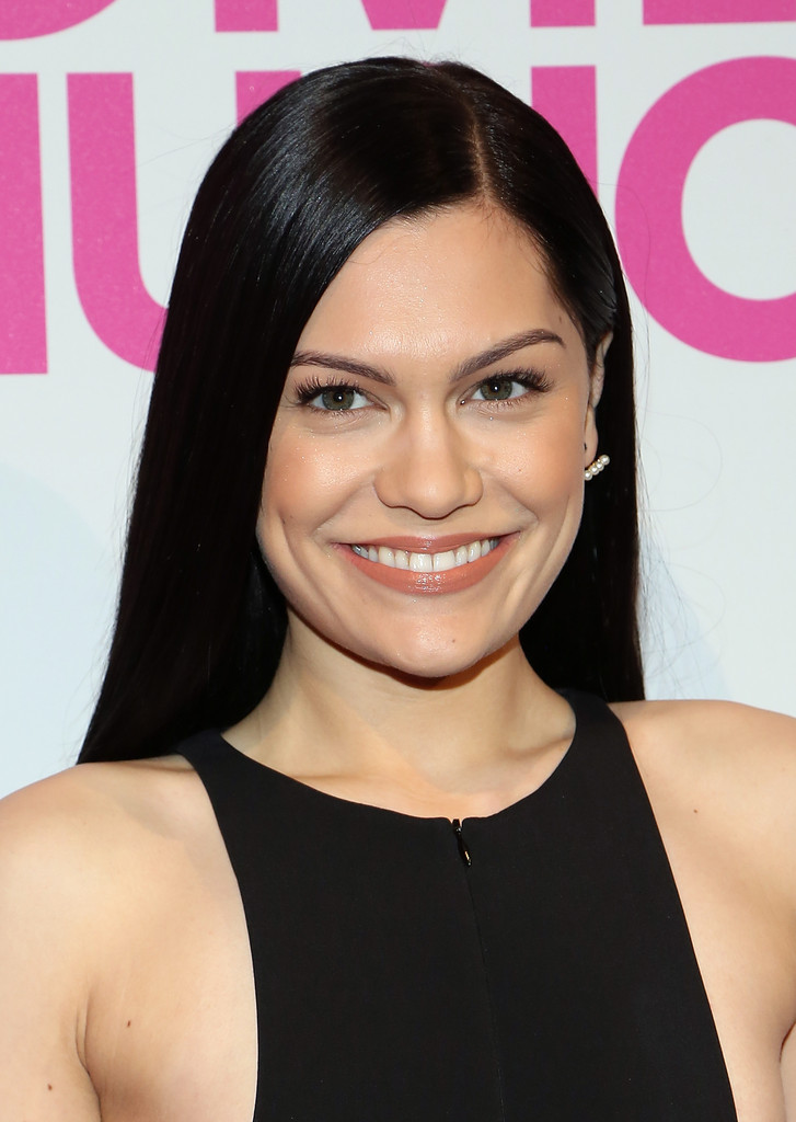 Jessie J Long Straight Cut Jessie J Looks Stylebistro