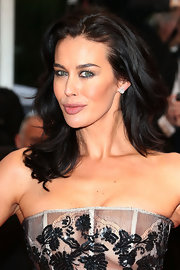 Megan Gale went for simple styling with this shoulder-length wavy 'do at the 'Jimmy P.' photocall in Cannes.