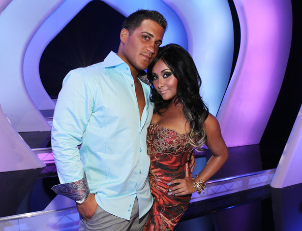 Jionni LaValle Button Down Shirt [red carpet,beauty,lady,event,girl,fashion,performance,fun,interaction,formal wear,nightclub,nicole snooki polizzi,r,jionni lavalle,2011 mtv video music awards,tv personality,los angeles,california,nokia theatre l.a. live]