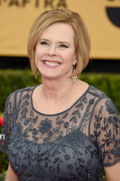JoBeth Williams Bob [hair,face,hairstyle,blond,beauty,smile,long hair,brown hair,dress,makeover,arrivals,jobeth williams,sag awards committee chair,screen actors guild awards,california,los angeles,the shrine auditorium,sag foundation]