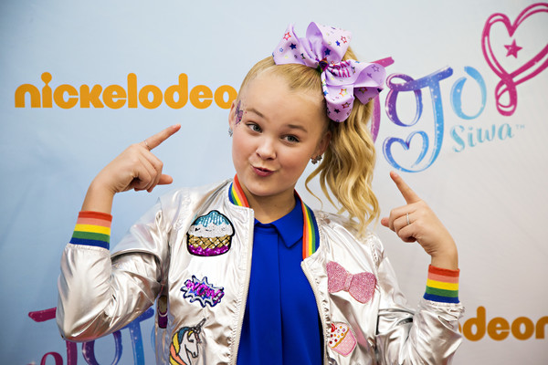 JoJo Siwa Hair Bow [child,hair accessory,fun,photography,gesture,happy,fashion accessory,consumer products,jojo siwa celebrates her birthday,ar and unveils her new consumer products,walmart in rogers,ar,new line,nickelodeon,walmart,birthday]