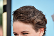 Joey King Bobby Pinned updo