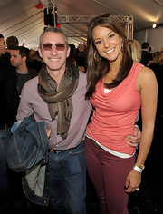 Eva la Rue was casual yet sweet in a coral cowl-neck top at the Stuart House benefit.