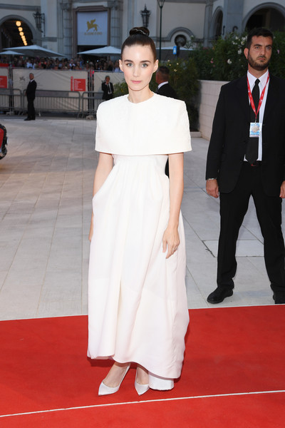 More Pics of Rooney Mara Pumps (5 of 15) - Heels Lookbook - StyleBistro [red carpet,white,carpet,clothing,flooring,shoulder,dress,fashion,premiere,hairstyle,red carpet arrivals,joker,rooney mara,sala grande,red carpet,venice,italy,76th venice film festival,screening]