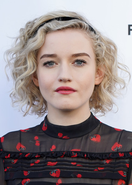 Julia Garner Short Curls [hair,face,lip,hairstyle,eyebrow,blond,chin,head,beauty,cheek,red carpet,dirty john,julia garner,red carpet,california,north hollywood,saban media center,fyc,bravo]