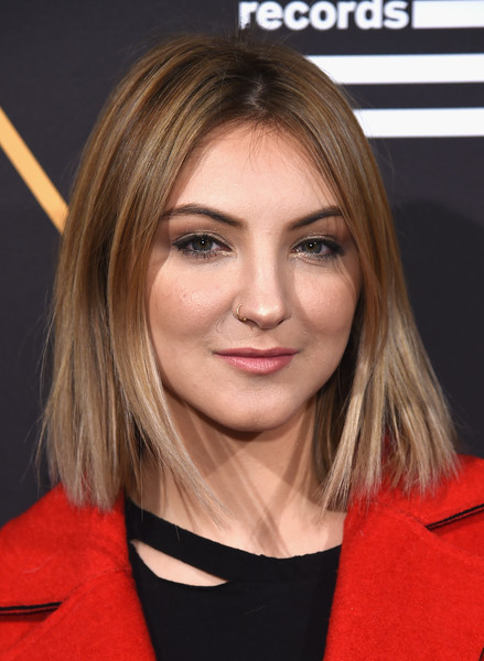 Julia Michaels Bob