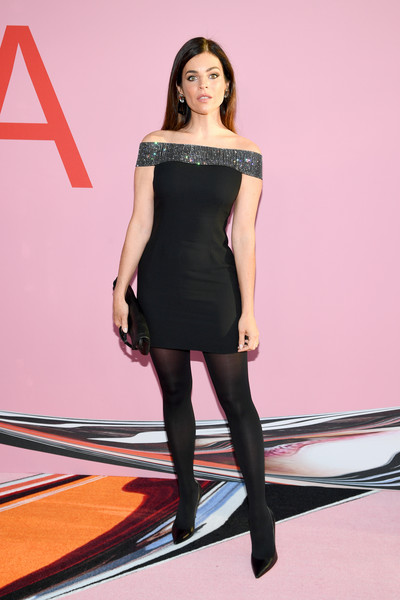 Julia Restoin-Roitfeld Off-the-Shoulder Dress [fashion model,clothing,dress,black,shoulder,fashion,tights,little black dress,beauty,leg,arrivals,julia restoin roitfeld,cfda fashion awards,brooklyn museum of art,new york city]