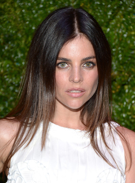 Julia Restoin-Roitfeld Long Center Part