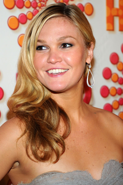 Julia Stiles Hair