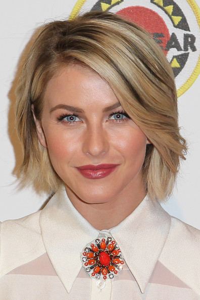 Julianne Hough Bob [hair,face,hairstyle,blond,eyebrow,chin,lip,beauty,forehead,layered hair,julianne hough,destination education,los angeles,culver city,california,city year,sony pictures studios,spring break]