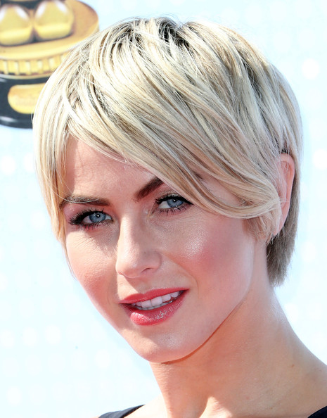 Julianne Hough Short Emo Cut [hair,face,blond,hairstyle,eyebrow,chin,skin,forehead,head,lip,arrivals,julianne hough,california,los angeles,nokia theatre l.a. live,radio disney music awards]