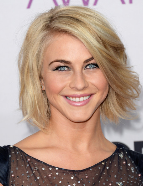 Julianne Hough Short Wavy Cut