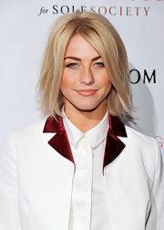 Julianne Hough brought out the color in her cheeks with this lip gloss that had just a slight hint of coral.