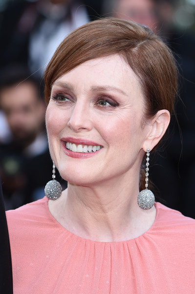 Julianne Moore Ponytail [rocket man,hair,face,hairstyle,eyebrow,chin,lip,beauty,skin,blond,cheek,julianne moore,rocketman red carpet,screening,cannes,france,the 72nd annual cannes film festival]