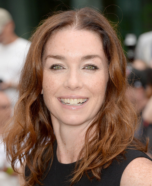Julianne Nicholson Medium Wavy Cut