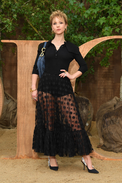Juno Temple Knit Top [clothing,lady,fashion,dress,christian dior,juno temple,part,summer 2020,paris,france,christian dior womenswear spring,photocall - paris fashion week,show,paris fashion week]