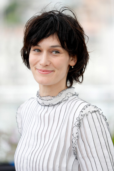 Clotilde Hesme kept it casual with this mussed-up hairstyle at the 2017 Cannes Film Festival Jury Cinefondation.