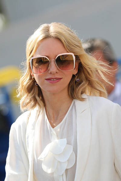 Naomi Watts headed to the 2018 Venice Film Festival jury photocall wearing a pair of oversized square shades by Fendi.