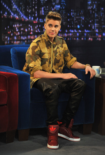 More Pics Of Justin Bieber Basketball Sneakers 4 Of 23 Justin Bieber Lookbook Stylebistro